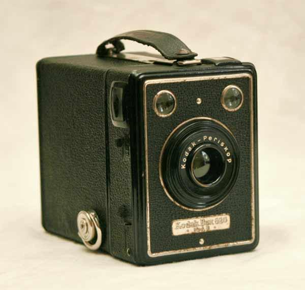 Alter nostalgischer fotoapparat kodak box 620 modell b