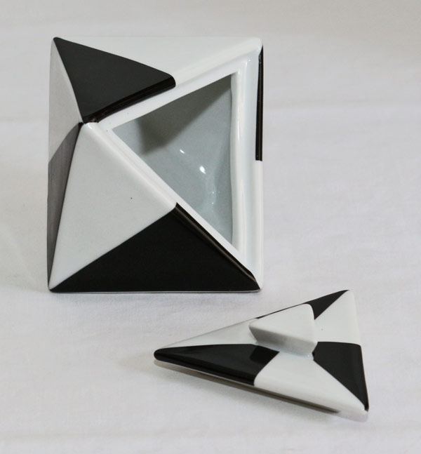 design porzellan dose deckeldose schwarz weiss. Black Bedroom Furniture Sets. Home Design Ideas